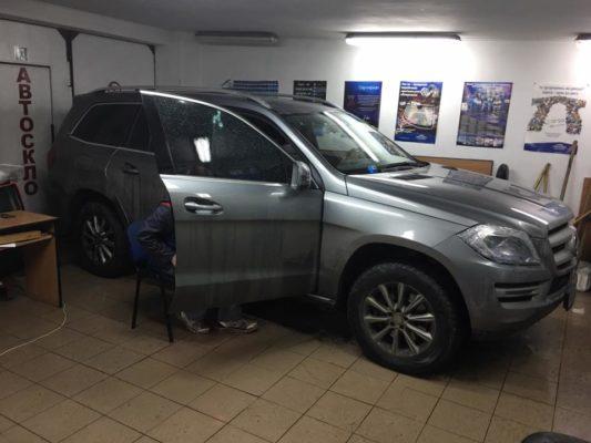 Mercedes GL замена лобового и бокового стекла