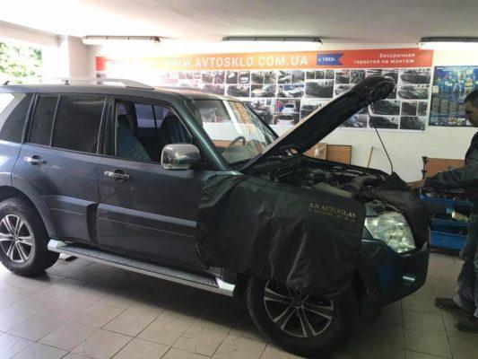 Mitsubishi Pajero замена стекла с обогревом