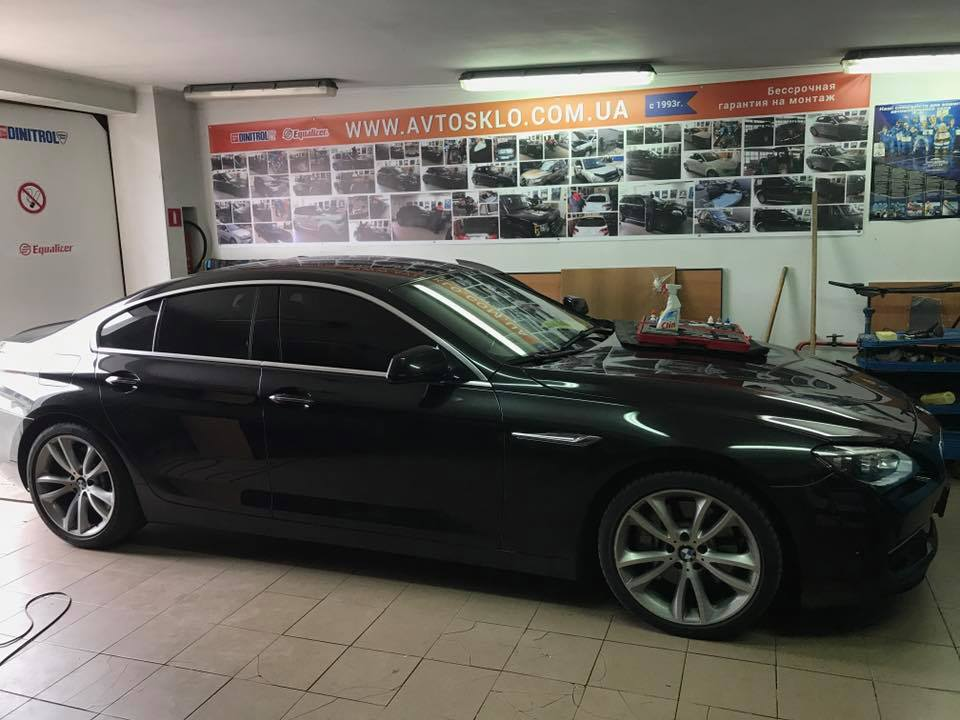 Ремонт и замена автостекла на BMW - Киев